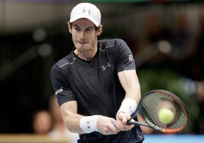 Andy Murray: Brit coasts past John Isner at Vienna Erste Bank Open