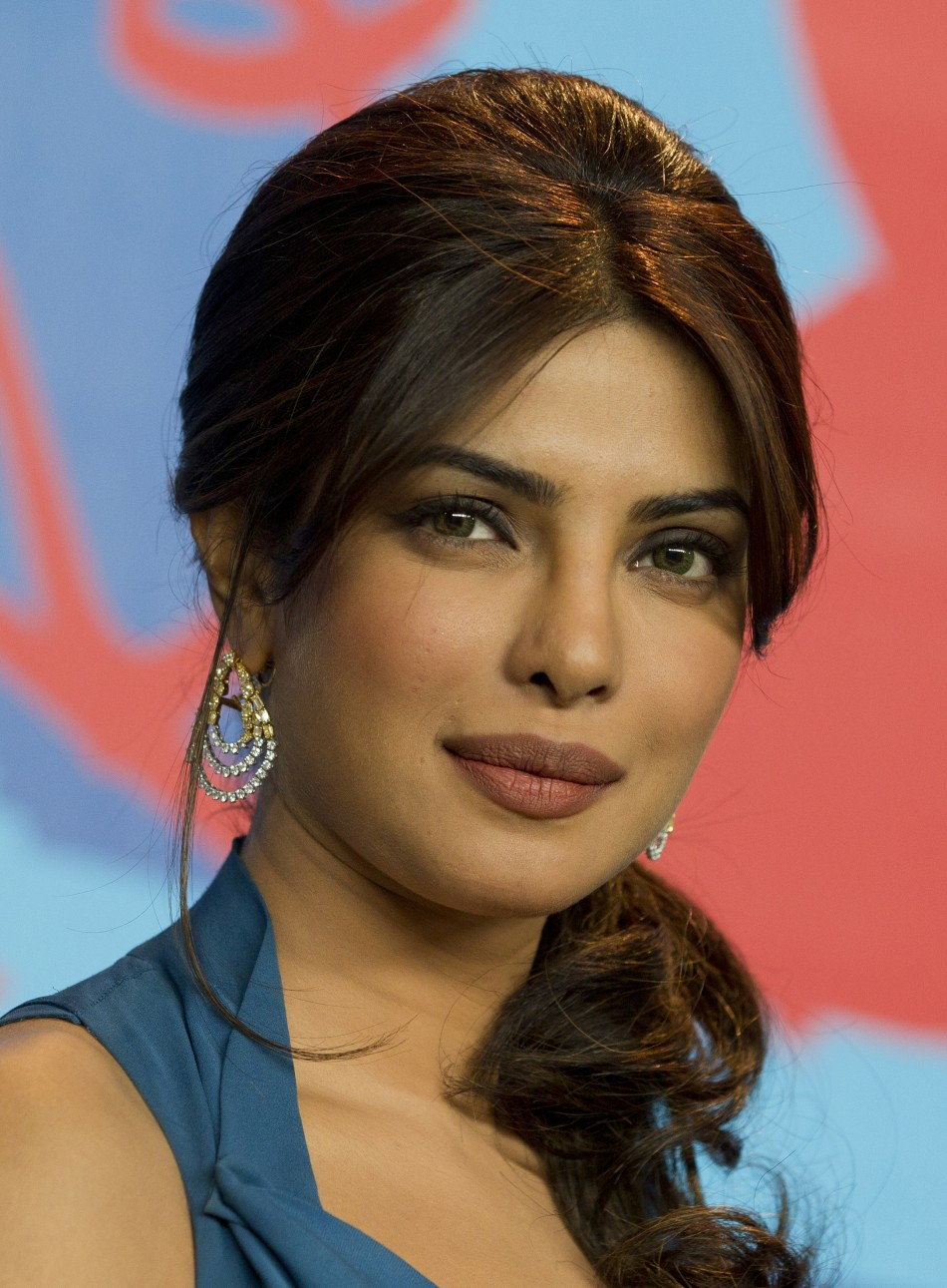 Swedish House Mafia Hd Wallpapers Bollywood S Priyanka Chopra To Work With David Guetta
