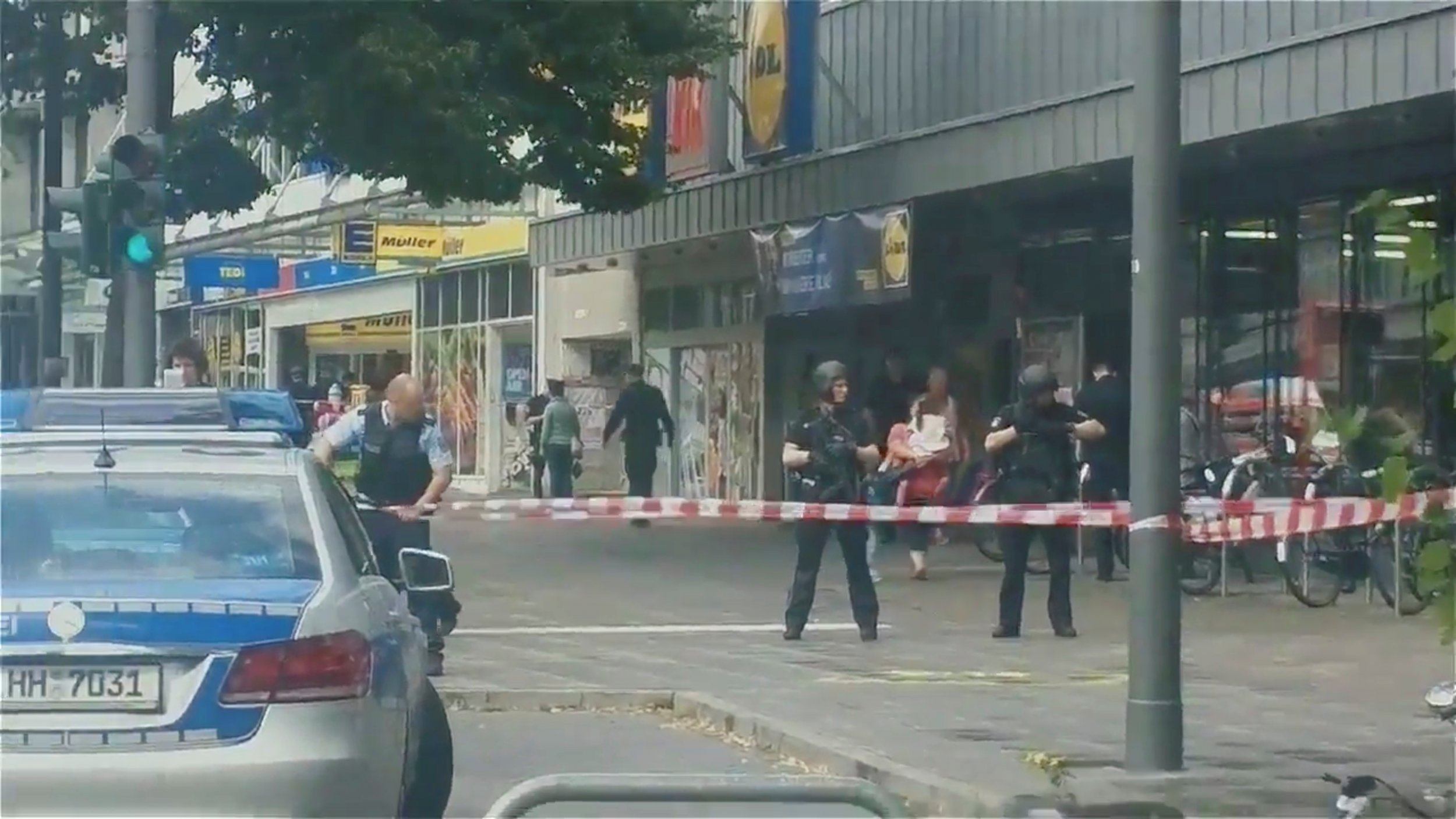 Knife Media Hamburg Attack One Dead After Knife Assault In Supermarket