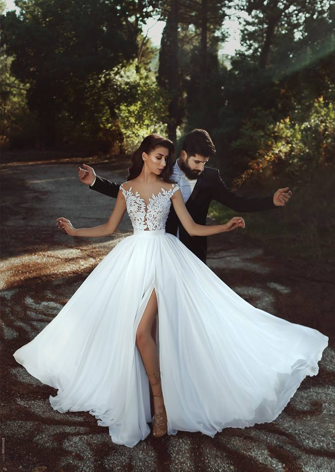 Simple Elegant Chiffon Beach Wedding Dresses Lace Bodice Side Slit