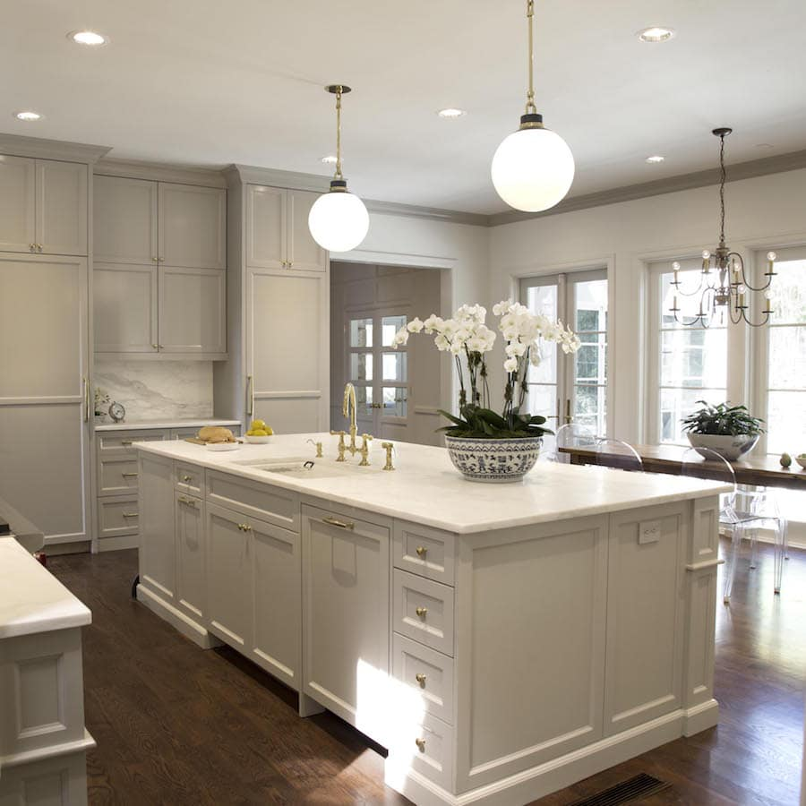Should Kitchen Cabinets Go Up To Ceiling Painting Crown Molding To Match Cabinets An Example In Sherwin