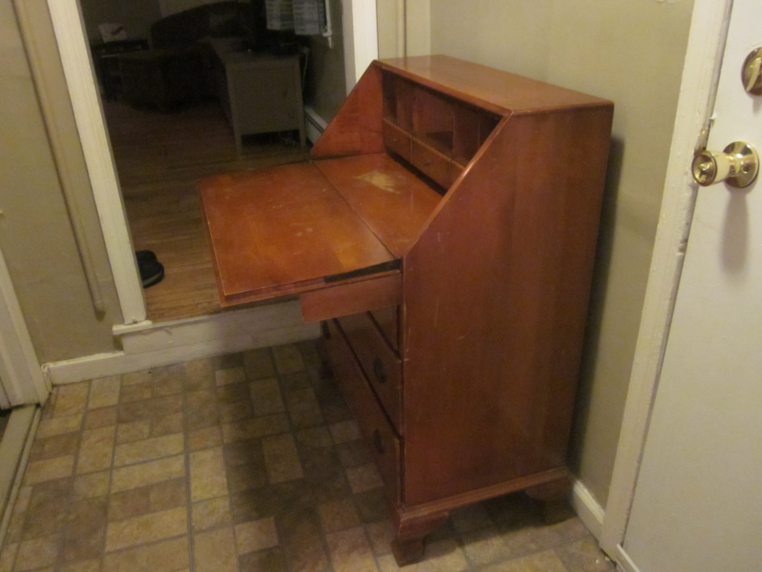 Secretary S Desk Monitor Furniture Company Jamestown Ny Antique Appraisal Instappraisal