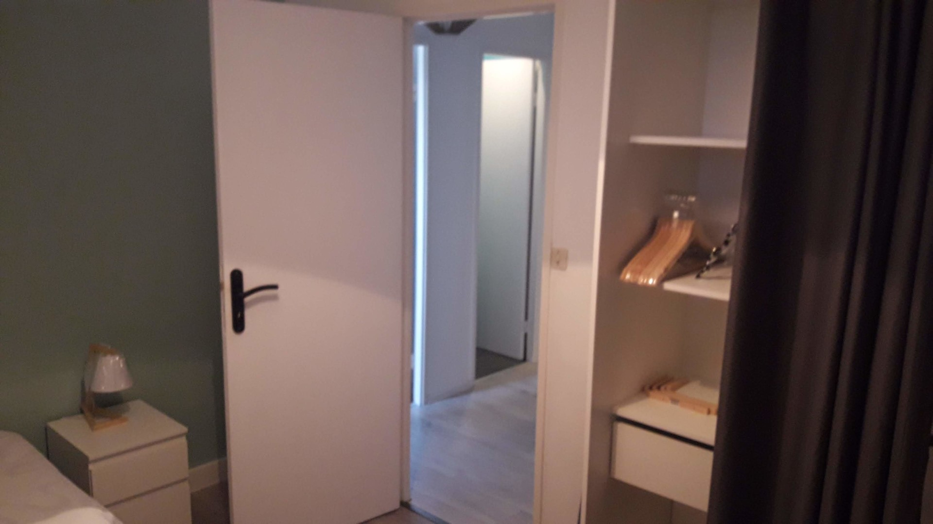 Searching For A Room In Bordeaux Rent This Friendly Single Room Ideal For International And Local Students With Internet And With Elevator