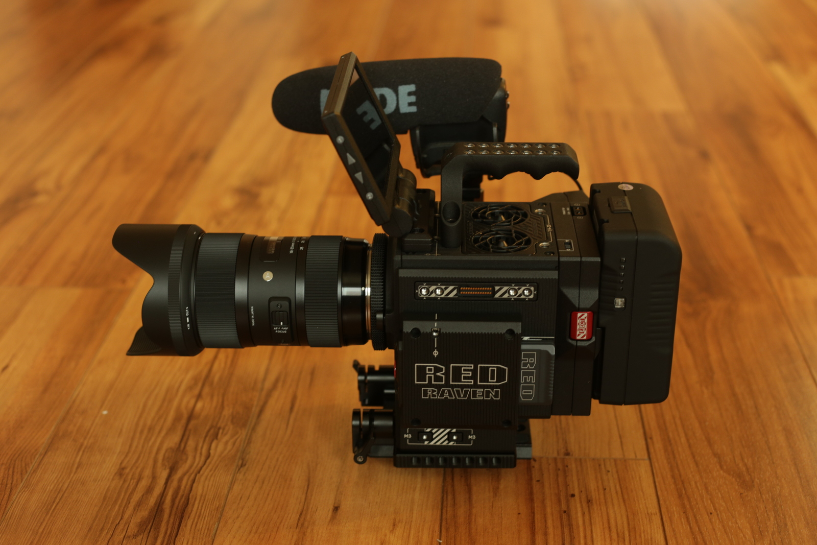 Red Raven Specs Rent A Red Raven Dragon 4 5k Package 2 With Lens Mic Tripod Best Prices Sharegrid Los Angeles