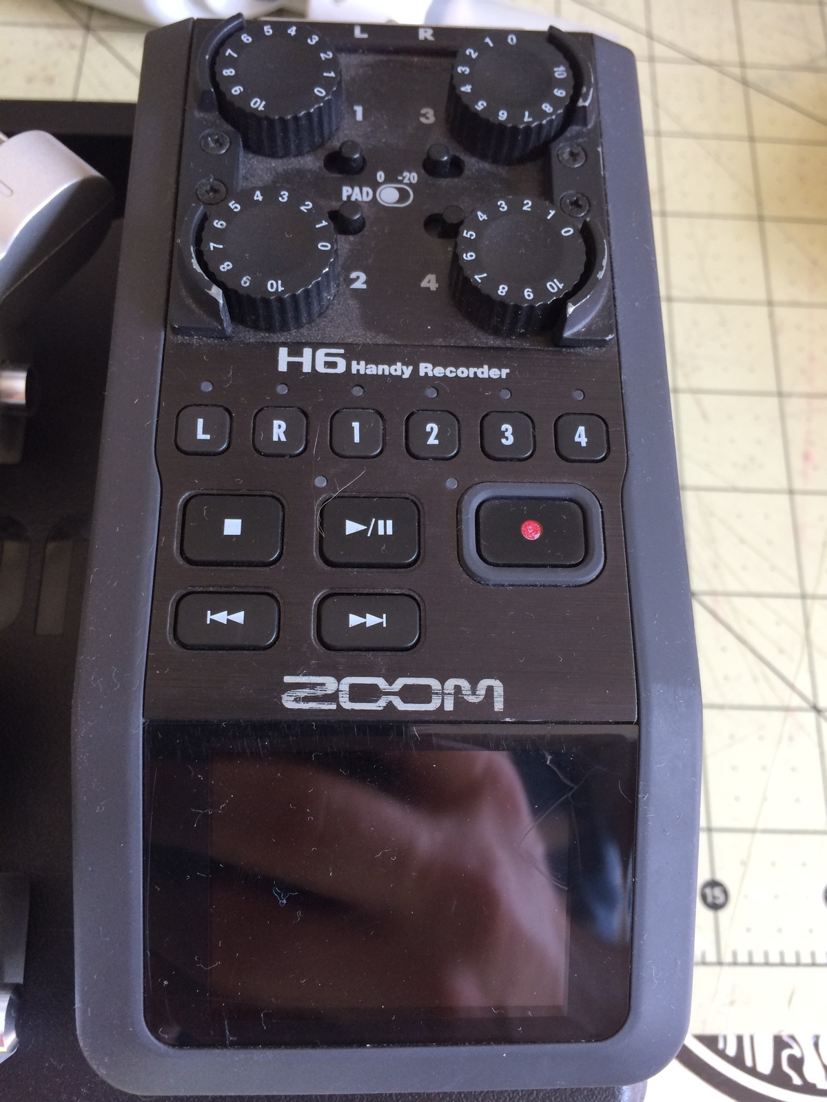 Zoom H6 Recorder Rent A Zoom H6 W Xy Mid Side Microphones Best Prices Sharegrid Los Angeles