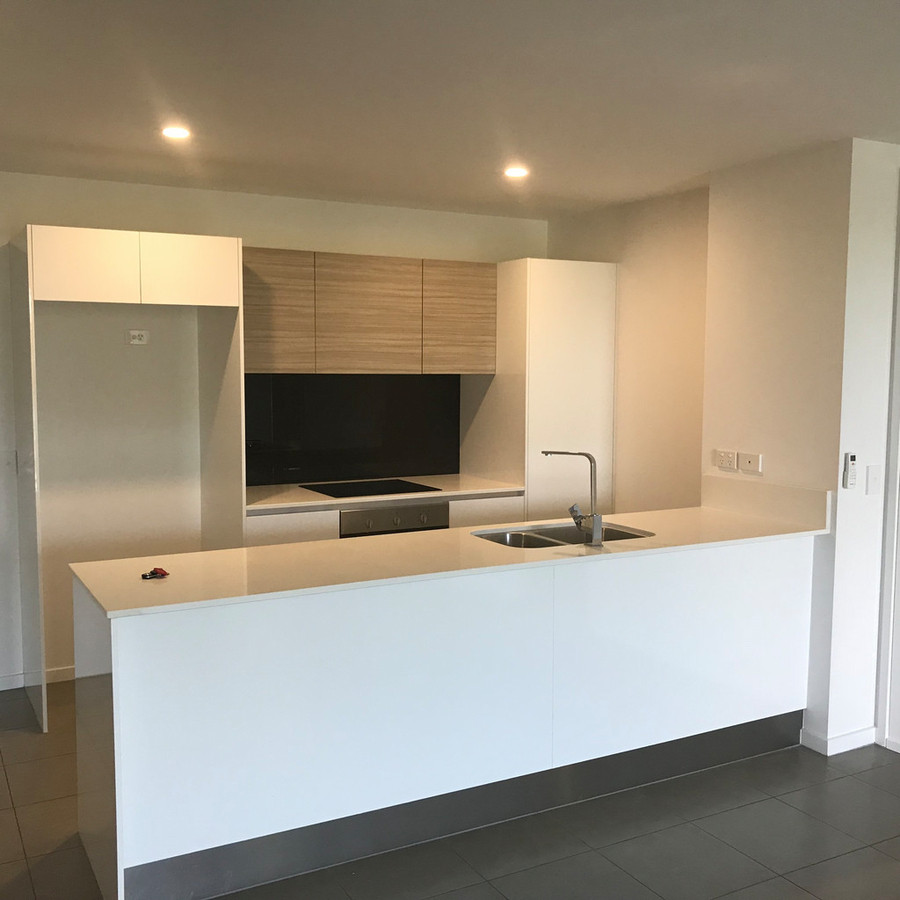 Kitchen Shop Bundall Situated In A Beautiful Resort Style Complex Gold Coast Property