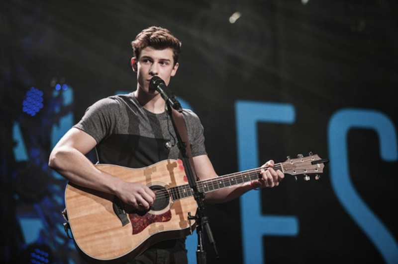 Cute Piano Wallpaper 5 Instagrams That Show Off Shawn Mendes Guitar Playing Axs