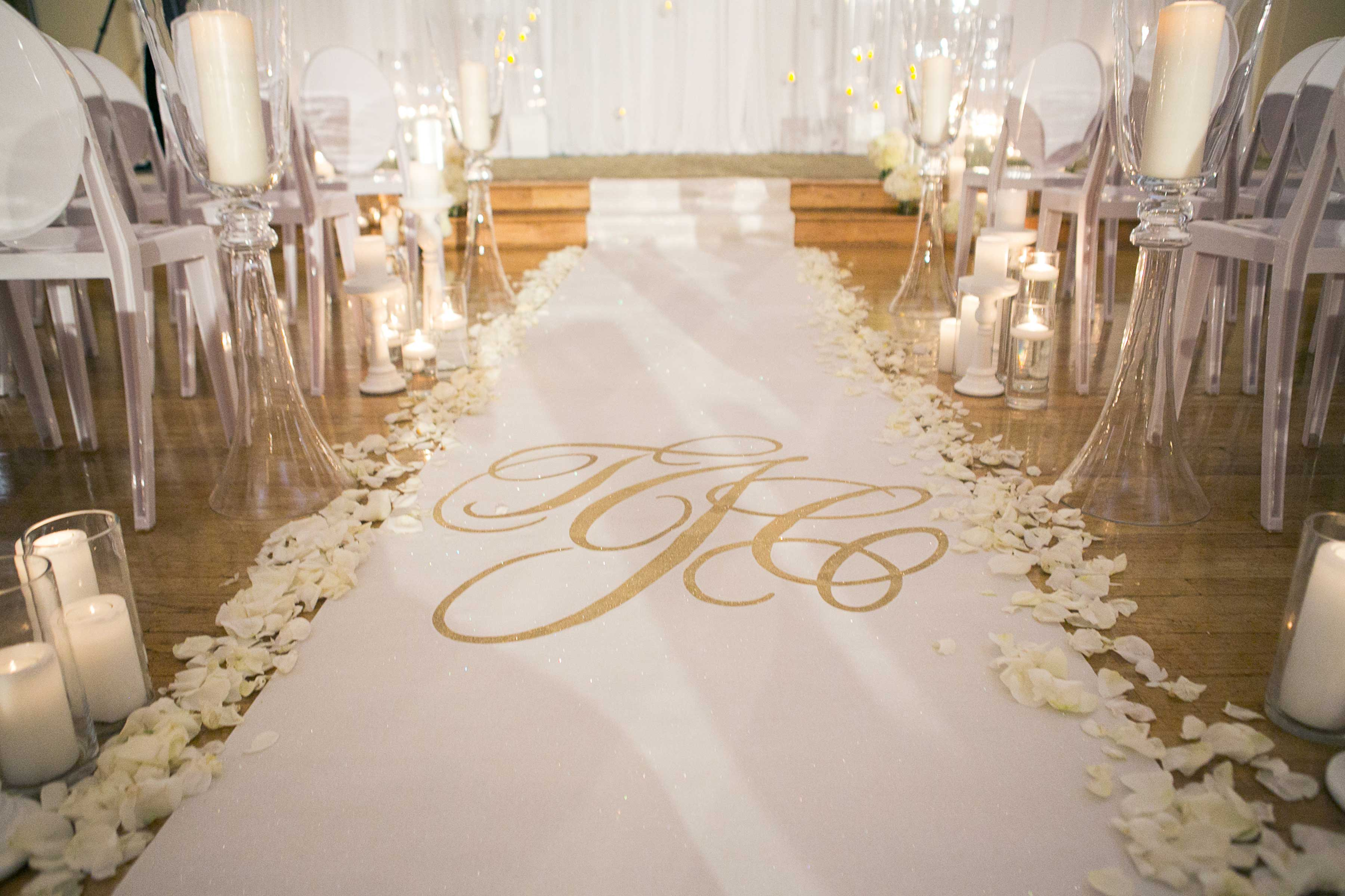 wedding aisle runner Photo by Rob and Wynter Photography Aisle Runner by The Original Runner Company
