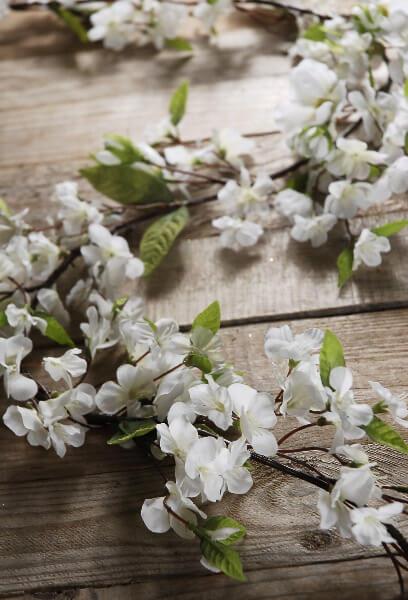 Lanterns Wallpaper Hd Cherry Blossom Garlands White