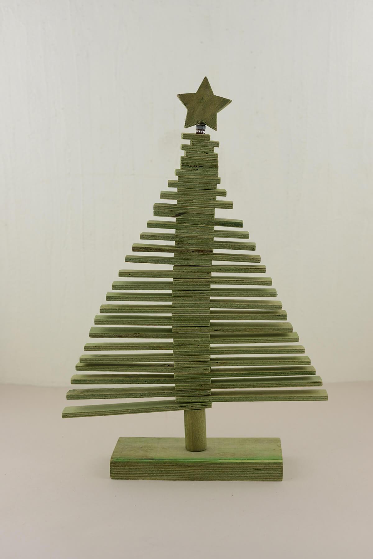 Wood christmas tree green 17 75in