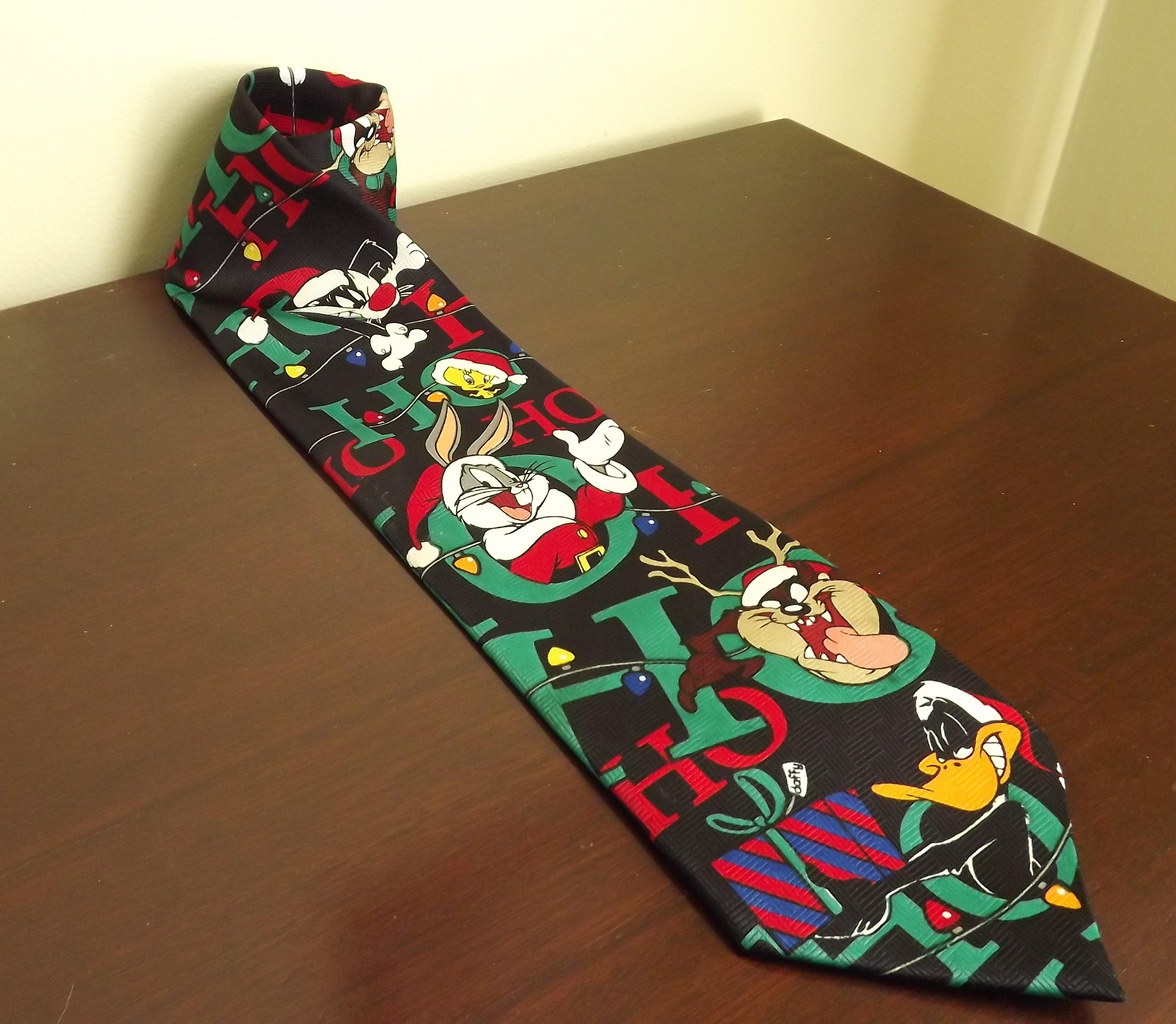 Mens Christmas Tie, Looney Tunes Cartoon Novelty Tie, Bugs