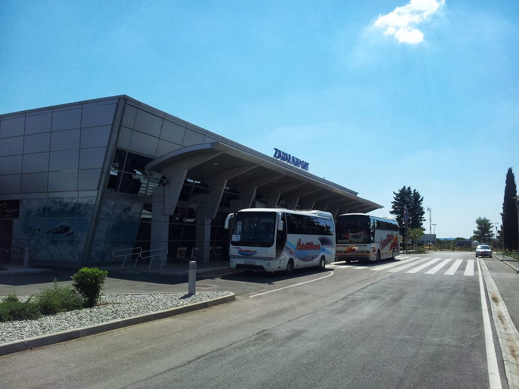 Stansted Car Village Shuttle Zadar Airport Bus Timetable Taxi And Transfer Prices