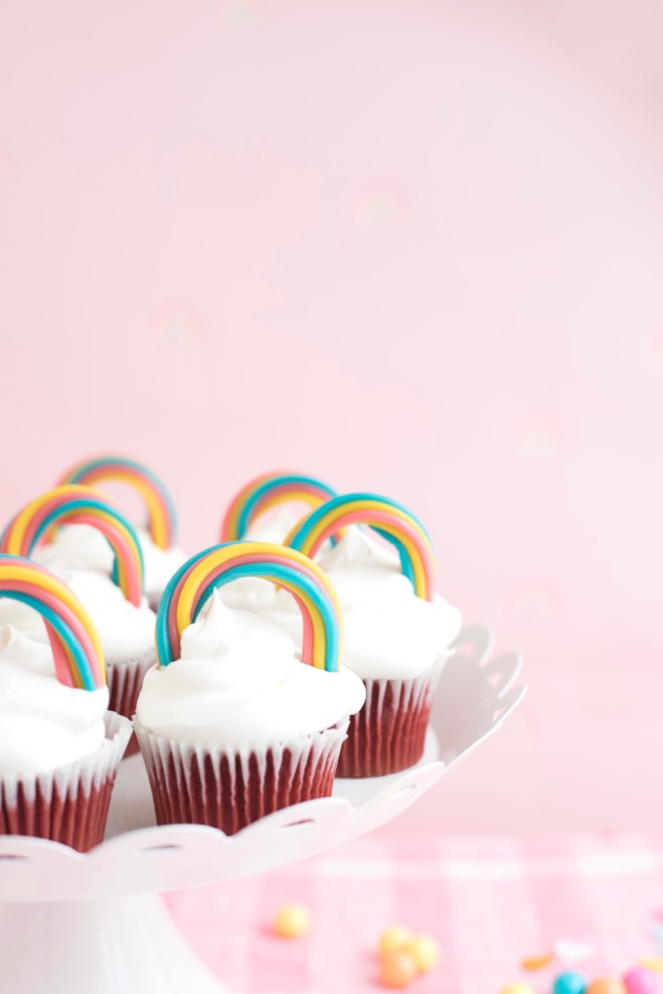 Twizzler Rainbow Cupcake Toppers DIY
