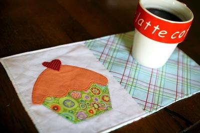 Cupcake Mug Rug Pattern Favequiltscom