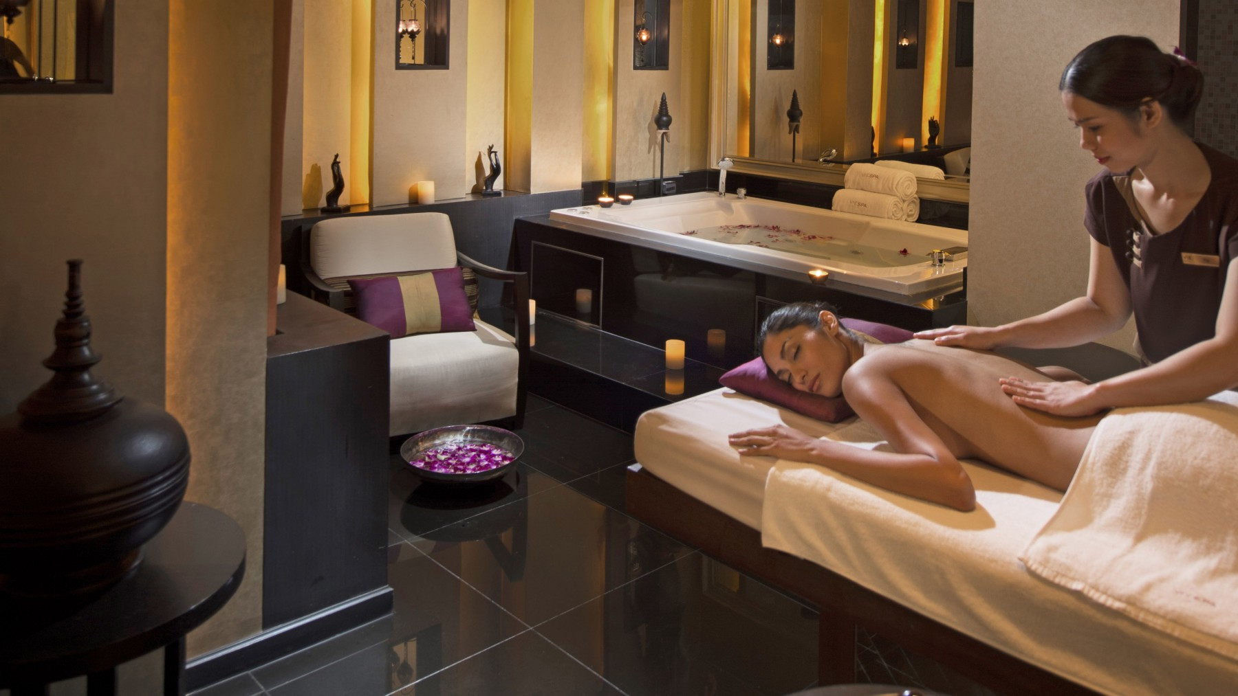 Salon Massage Barcelone Luxury Bangkok Spa Vie Hotel Bangkok Mgallery By Sofitel