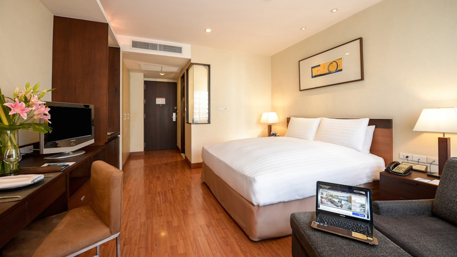 Hotel Bedroom Sizes Uk Deluxe Room 1 King Size Bed Grand Sukhumvit Bangkok