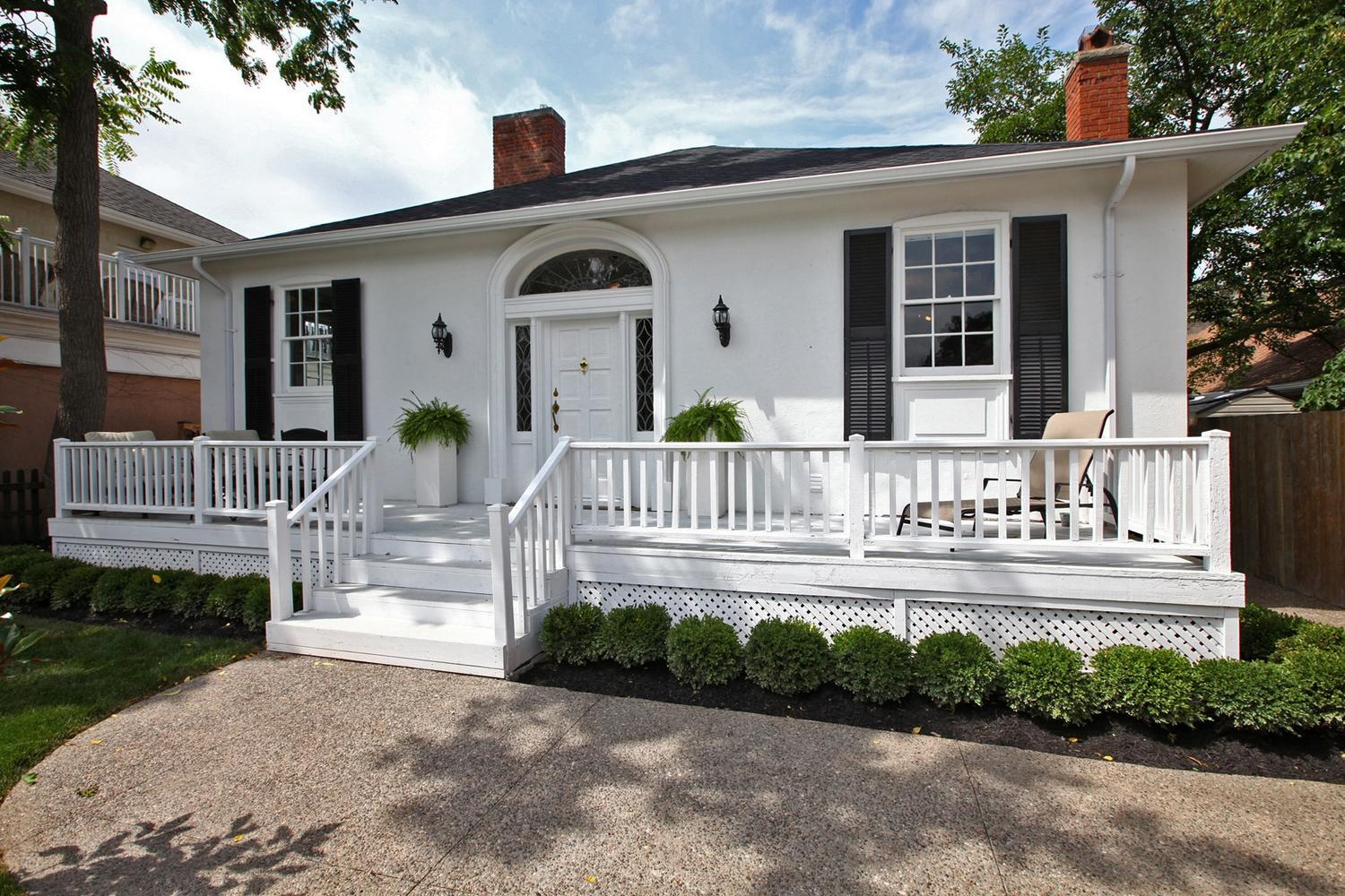 White Home The White House An Old Towne Vacation Rental Niagara On The