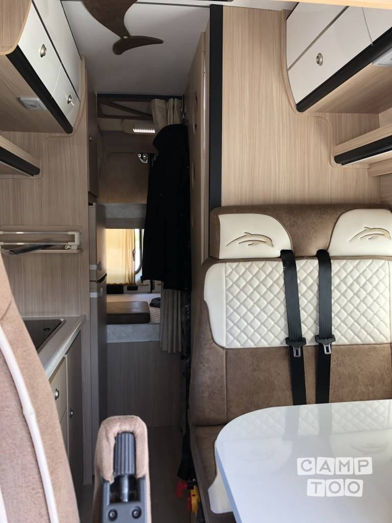 Luxe Caravan Interieur Hire This Peugeot Boxer Camper With Camptoo