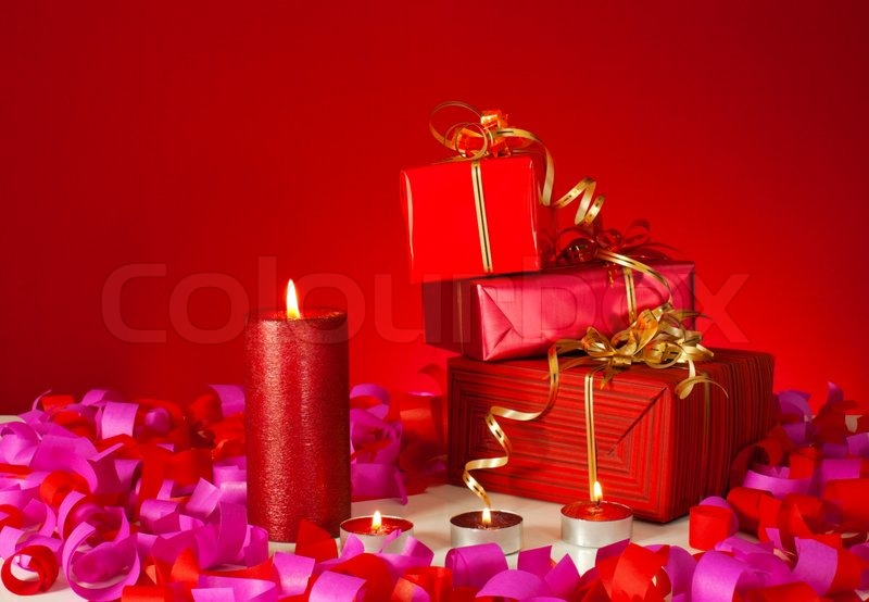 Natal Wallpaper 3d Christmas Gifts And Candles Over Red Background Stock