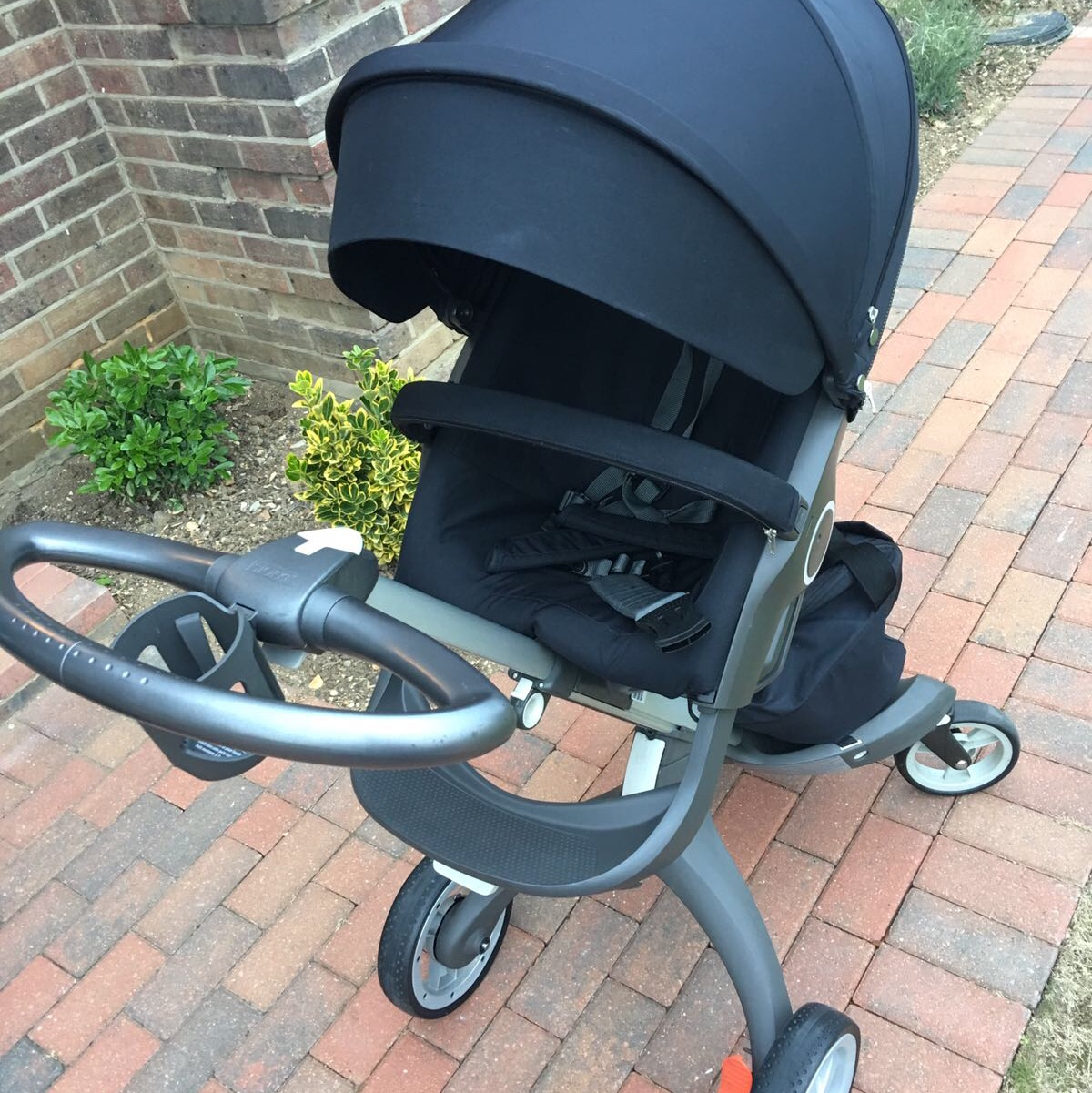 Stokke Maxi Cosi Car Seat Stokke Xplory V4 Black Full Set Includes Chassis Depop