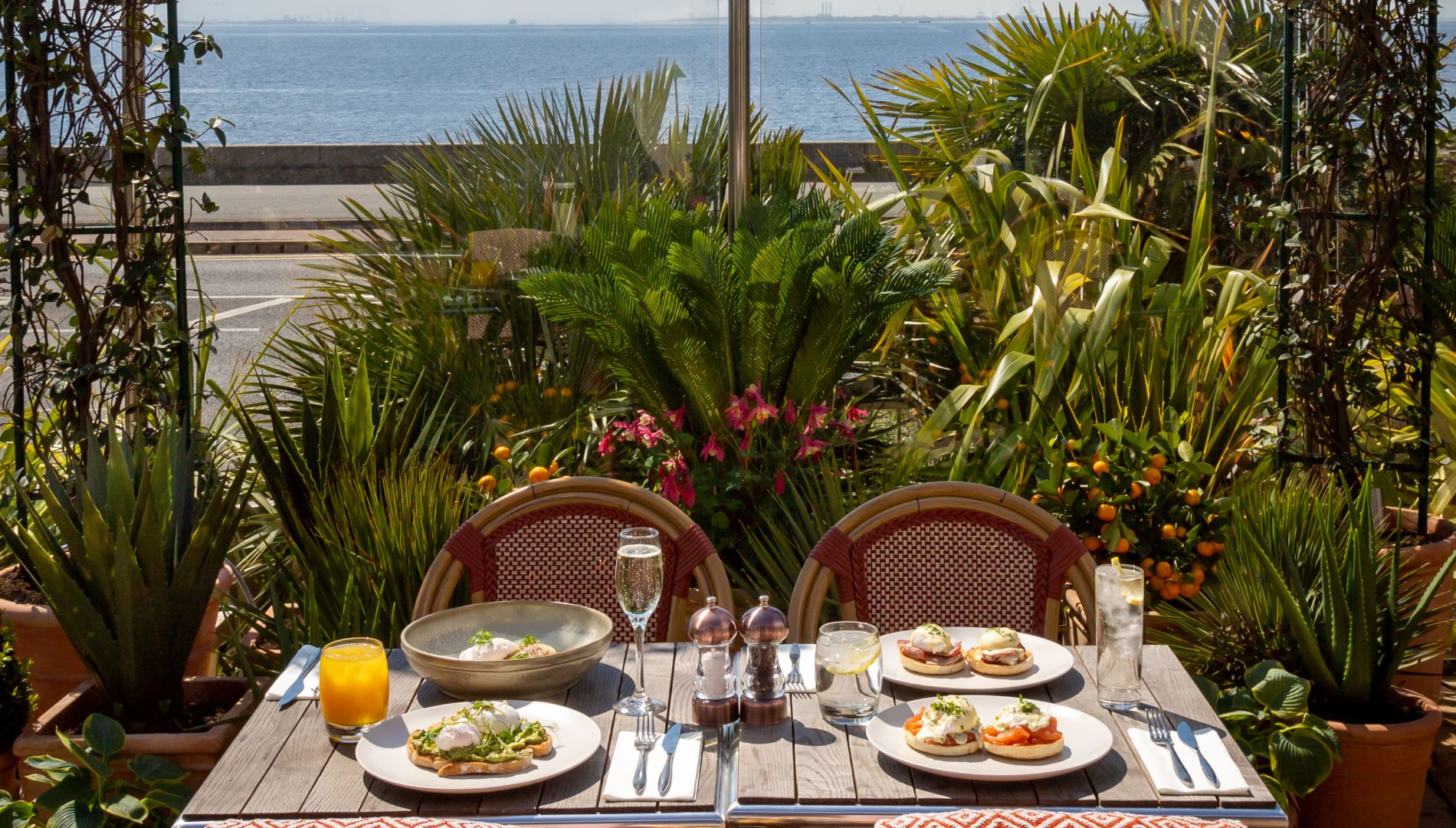 Bed And Breakfast Leigh On Sea Southend On Sea Hotels Roslin Beach Hotel