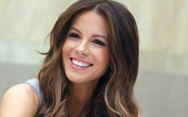 Beauty Girl In The World Wallpaper Kate Beckinsale Slams Ridiculous Pressure Put On Women S