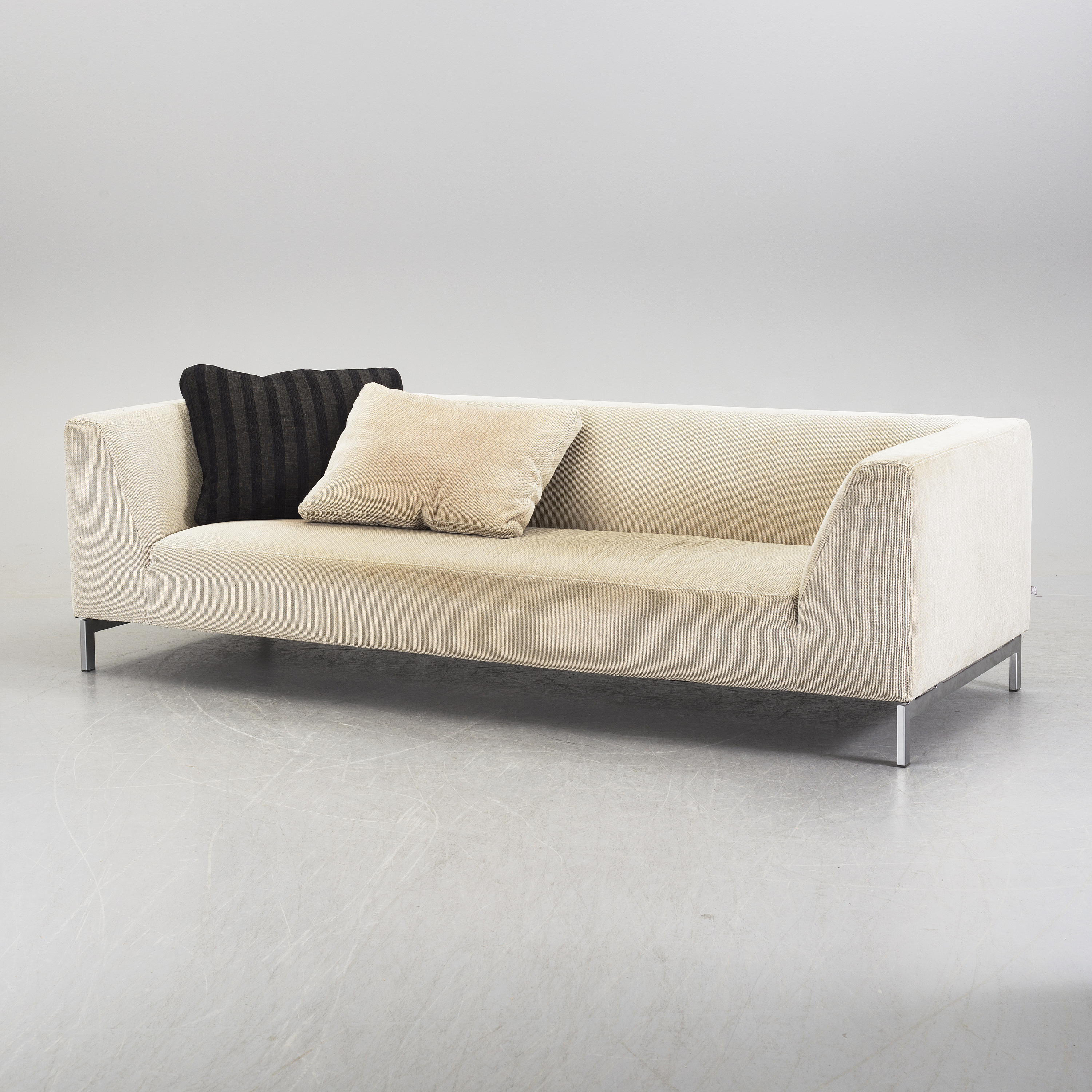 Natuzzi Couchtisch Glas Sofa Domino Best Large Picture Of Bernards Bohemian Domino S Sofa