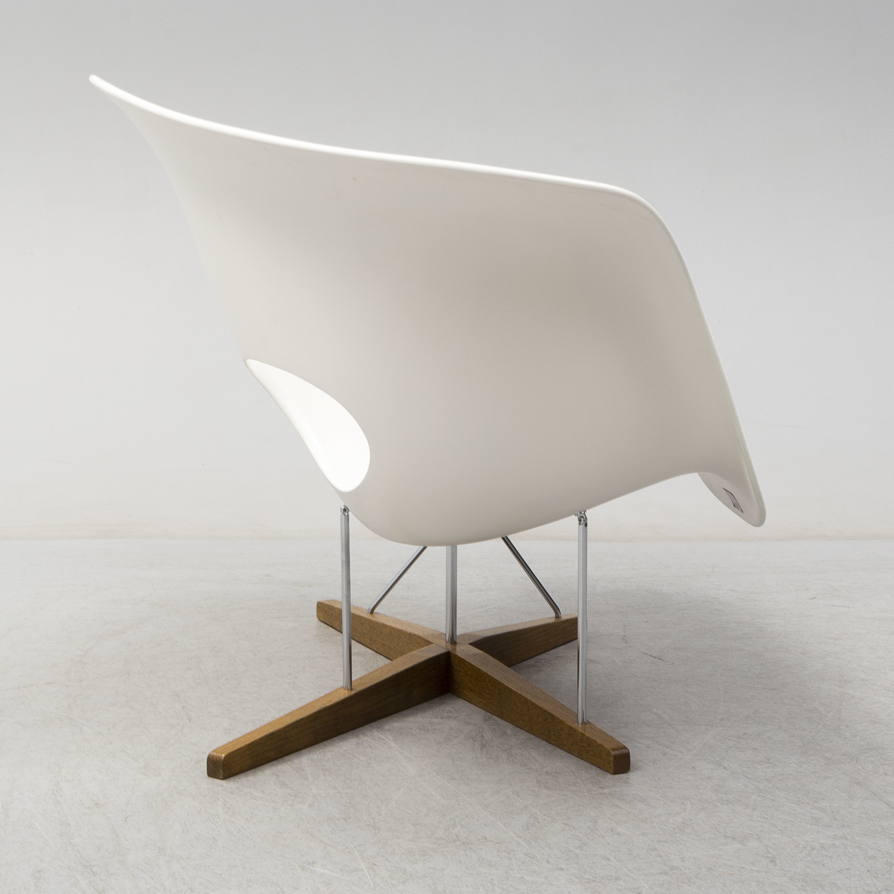 Chaise Vitra A La Chaise Lounge Chair By Charles Ray Eames For Vitra