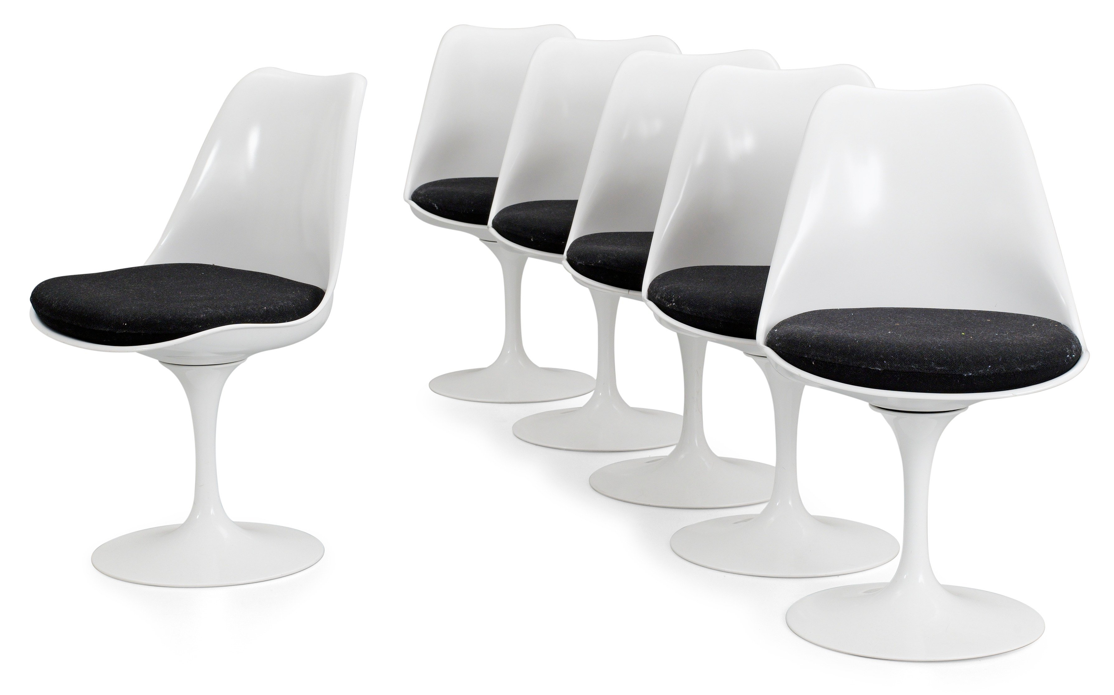 Knoll Saarinen A Set Of Six Eero Saarinen 39tulip 39 Chairs By Knoll