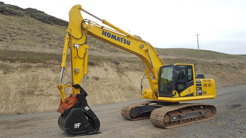 2014 Komatsu PC210LC-10 Excavator For Sale, 3,311 Hours