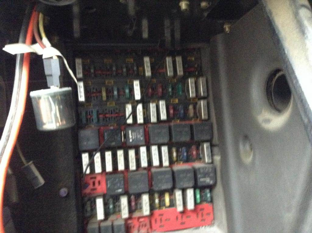 2004 Kenworth T600 Fuse Box For Sale Spencer, IA 24737834