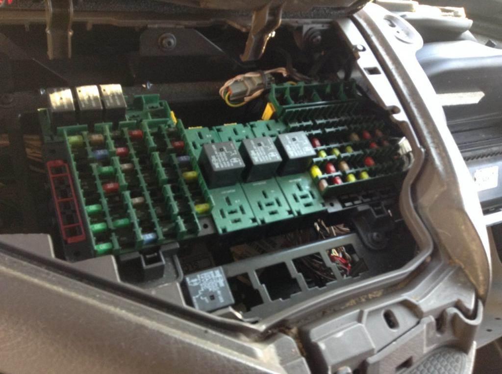 2013 Volvo VNL Fuse Box For Sale Spencer, IA 24715064
