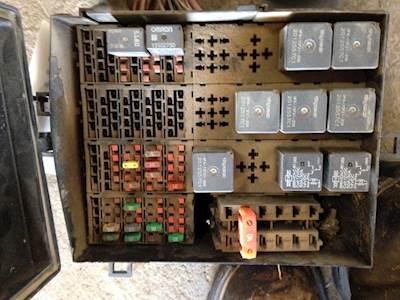 2004 Used International 8600 Fuse Panel For Sale Dorr, MI 628