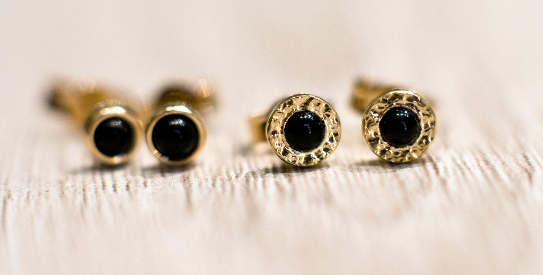 Black onyx stud earrings in 14k yellow gold, solid 14k