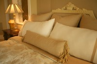 50 Decorative King and Queen Bed Pillow Arrangements ...