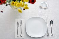 44 Fancy Table Setting Ideas for Dinner Parties and Holidays