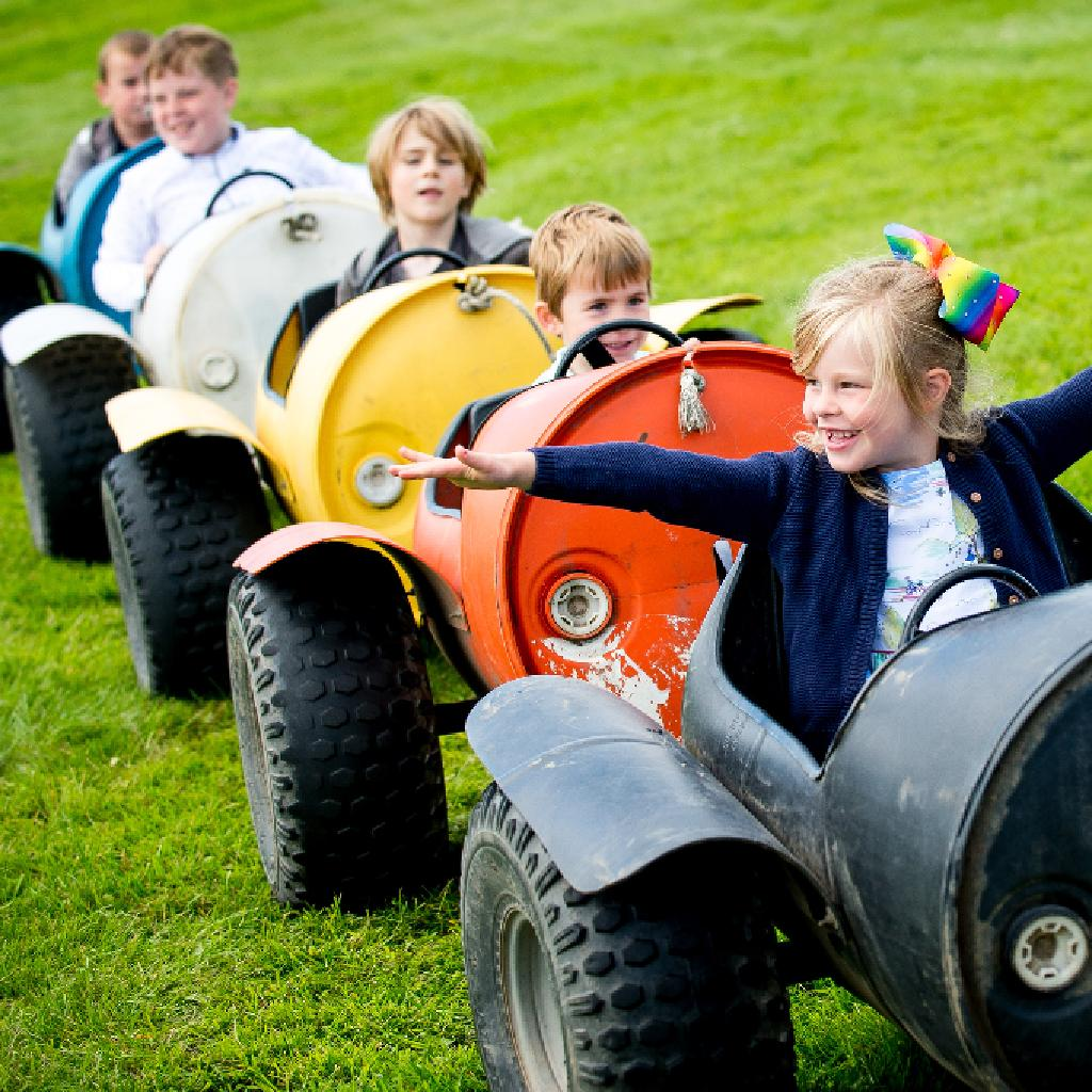 Whats On Perth Kids Perth Racecourse Family Day Perth Racecourse Perth Sun 15th