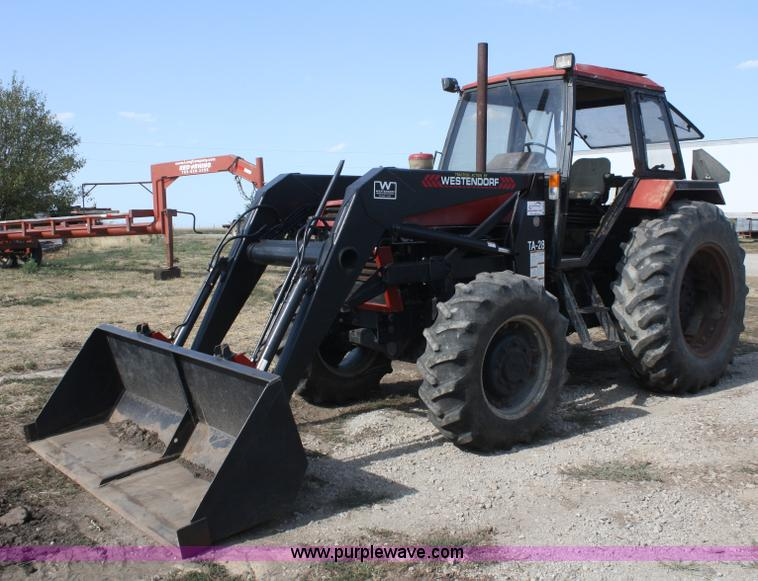1986 Case IH 1494 MFWD tractor Item B6931 SOLD! Wednesda