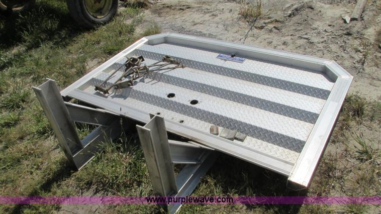 Road Gear Headache Rack No Reserve Auction On Wednesday
