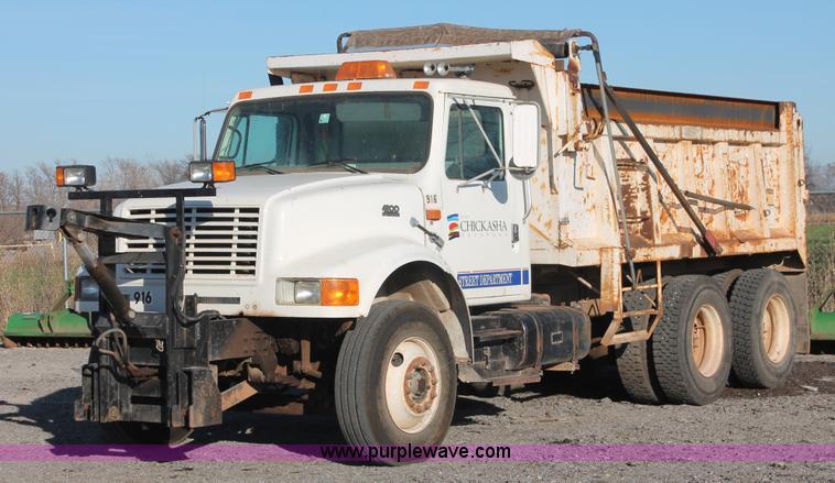 1997 International 4900 dump truck Item AK9640 SOLD! Jan