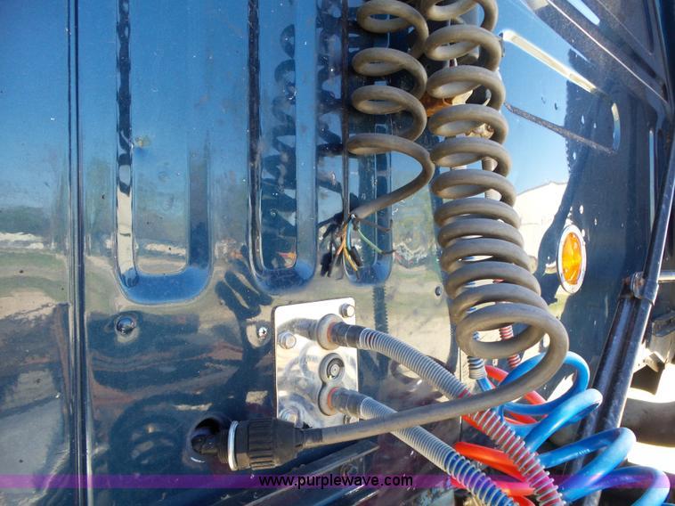 1995 Volvo WIA semi truck Item L6321 SOLD! May 19 Truck