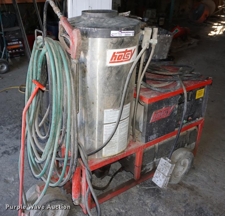 Hotsy pressure washer Item DN9304 SOLD! March 21 Vehicle