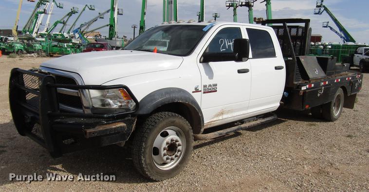 2014 Dodge Ram 5500 Crew Cab flatbed truck Item DD4409 W