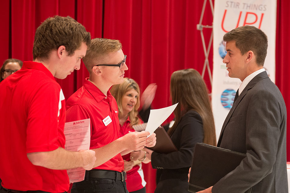 What to do AFTER career fairs - News - Illinois State
