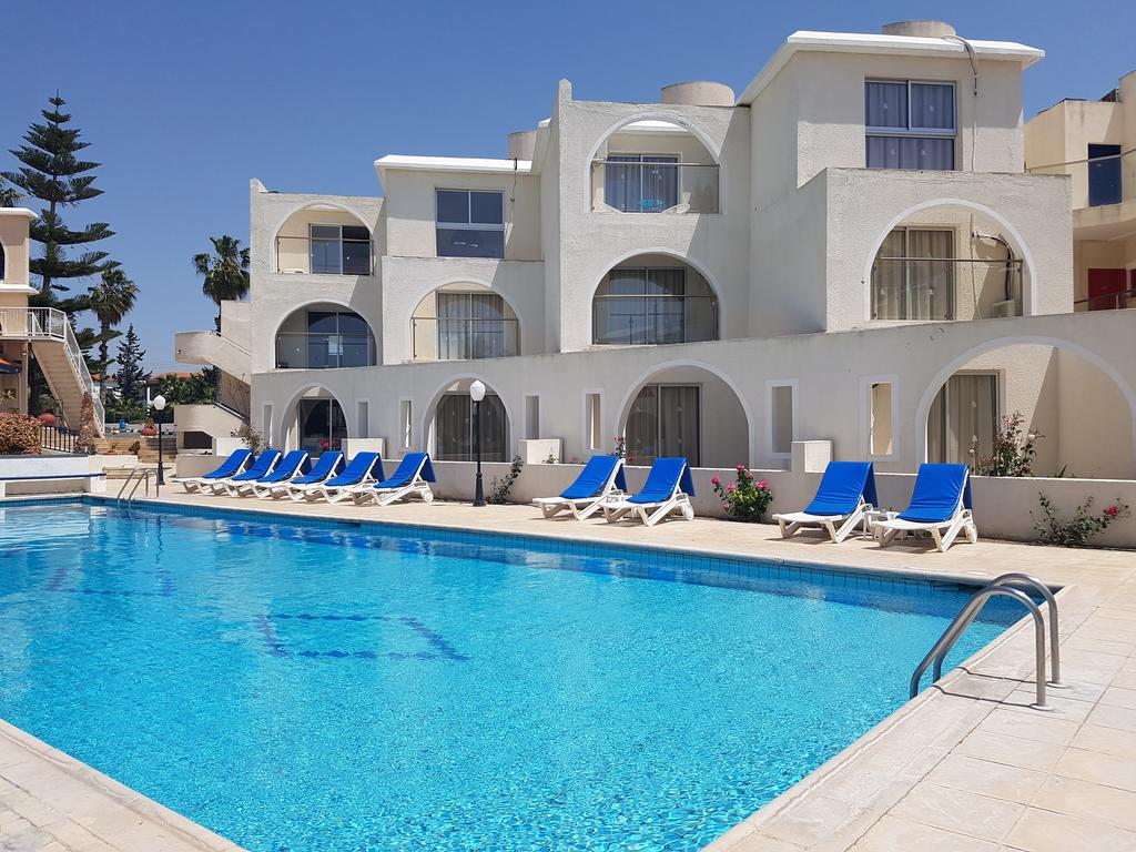 Jacuzzi Pool Utomhus Pandream Hotel Apartments Paphos Bookcyprus