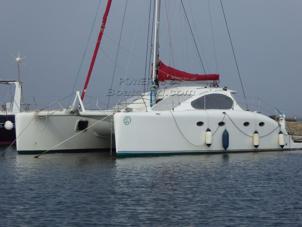 Tabourets Waterline Spirited Catamaran 420 Crossover Just Reduced To Sell