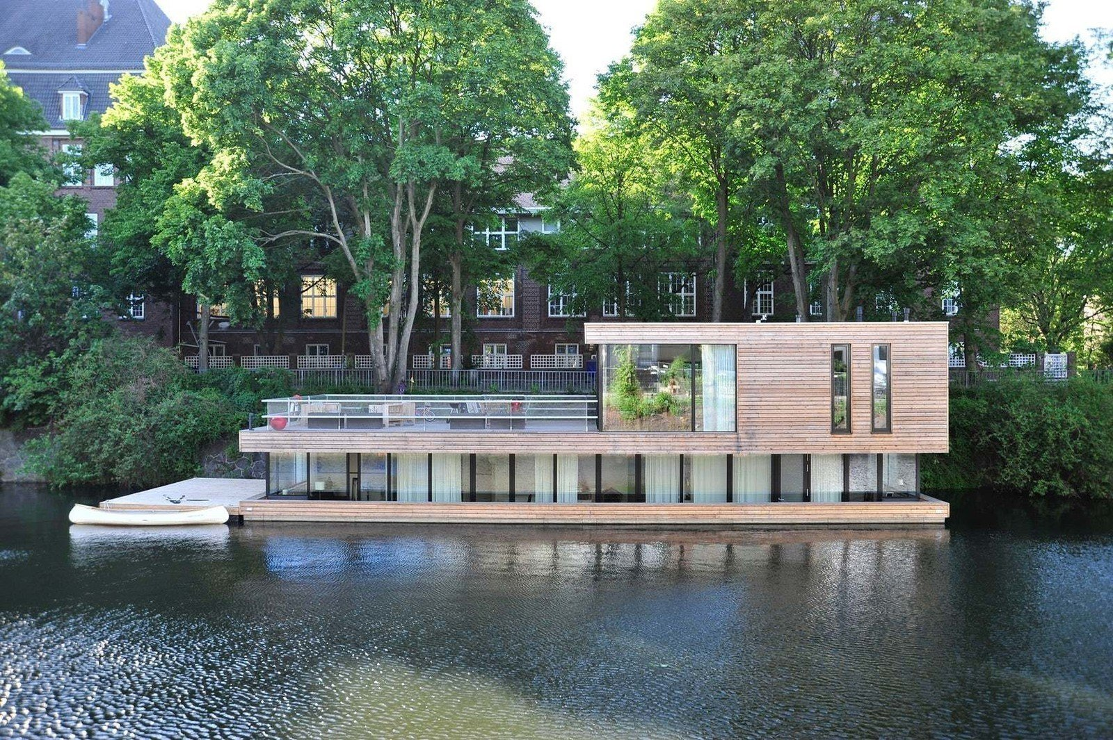 Wo Küche Kaufen Hamburg 10 Modern Floating Homes That Offer An Aquatic Lifestyle