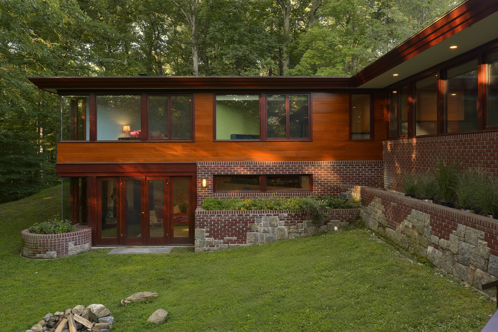 Organic Modern Design A Renovated Usonian Gem Shows Off Modern Organic