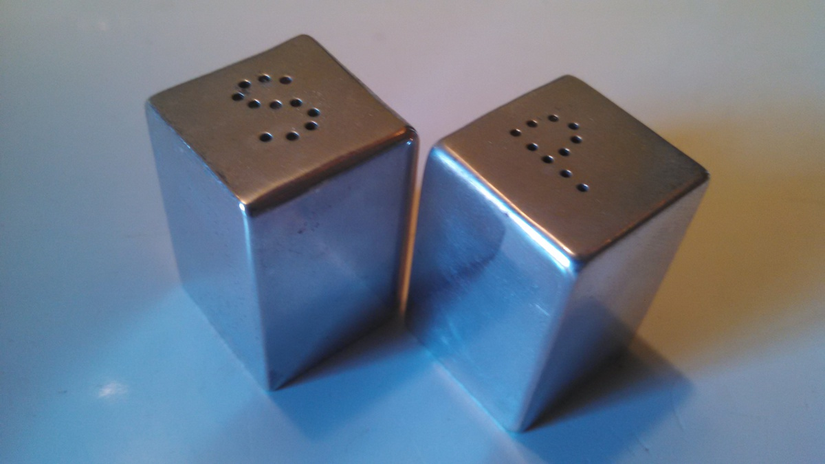Modern Salt Pepper Shakers American Modern Salt And Pepper Shakers Collectors Weekly