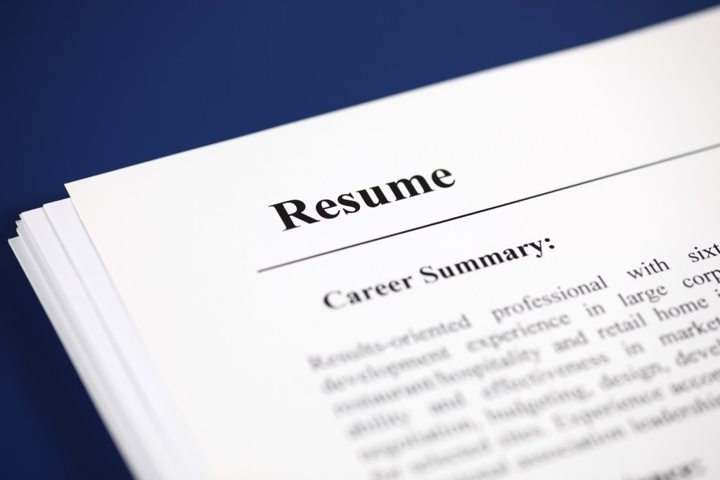 Ask the Headhunter Why jobs should come with a \u0027resume\u0027 PBS NewsHour